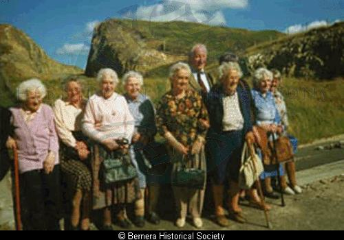 Bernera senior citizens on a day trip to Harris