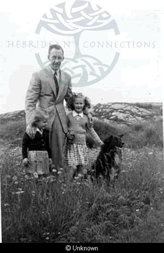 Alexander Maclennan and daughters