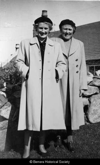 Rachael Mackay and Mary Macdonald, 5 Crulivig