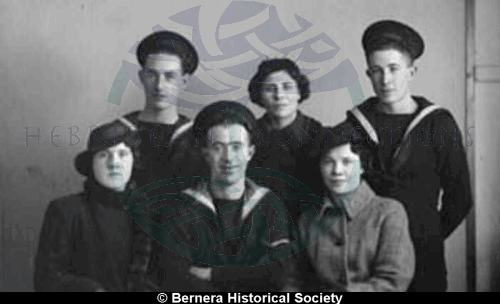 Sailors and ladies from Kirkibost