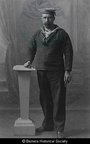 Kenneth Macdonald, 6 Lundale