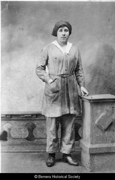 Annie Macdonald, 2 Lundale