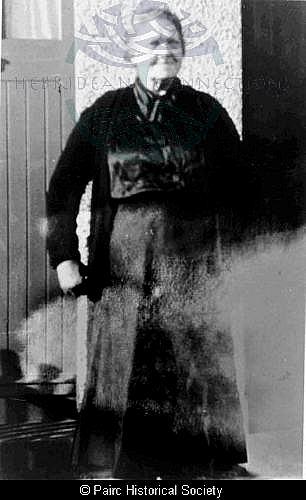 Sybil Macarthur, 8 Cromore