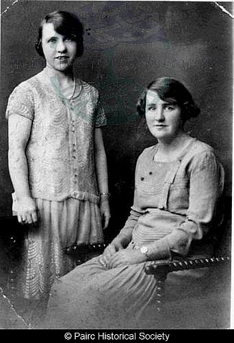 Habost Sisters