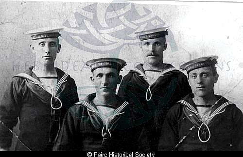 Pairc Naval men