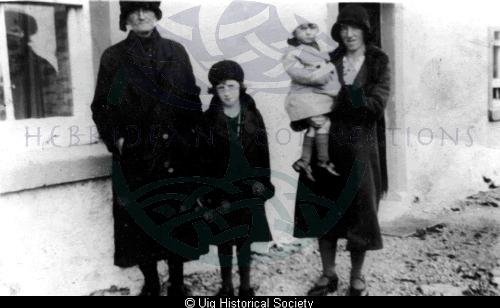 Peggy Macdonald with grandchildren